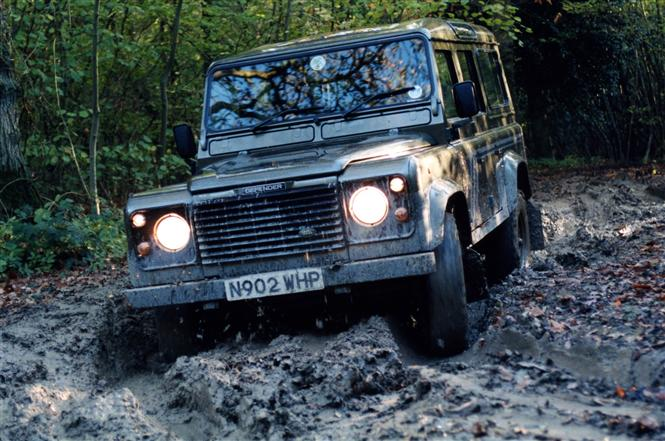 Used Land Rover Defender 110 90 06 Gallery Parkers