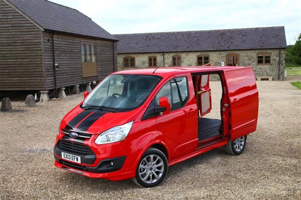 ford transit custom swb 2 2 tdci 155ps 290 low roof van sport fwd road test parkers. Black Bedroom Furniture Sets. Home Design Ideas