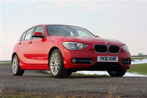 bmw 1 series hatchback 116i sport 5d road test parkers. Black Bedroom Furniture Sets. Home Design Ideas