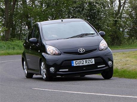 toyota aygo 1 0 vvt i fire ac 5d road test parkers. Black Bedroom Furniture Sets. Home Design Ideas