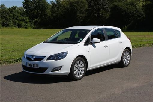 vauxhall astra hatchback 1 7 cdti 16v ecoflex tech line 130bhp 99g km 5d road test parkers. Black Bedroom Furniture Sets. Home Design Ideas