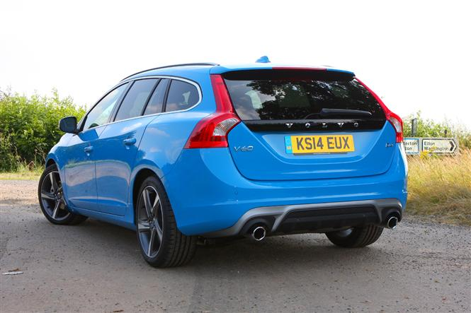 volvo v60 d4 181bhp r design nav 5d geartronic road test parkers. Black Bedroom Furniture Sets. Home Design Ideas