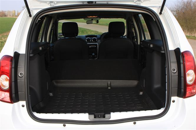 dacia duster estate 1 6 access 5d road test parkers. Black Bedroom Furniture Sets. Home Design Ideas