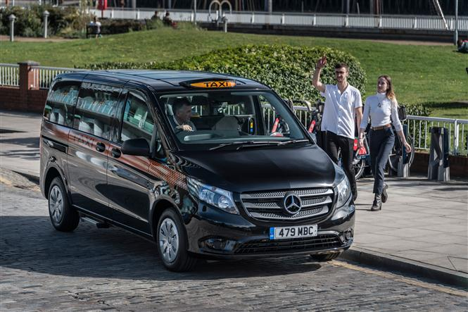 Big Black Cab Mercedes Launches New Vito Taxi In London