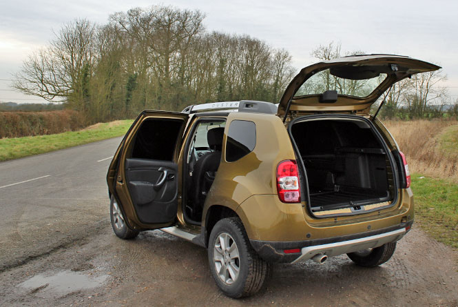 dacia duster 1 5 dci 110ps commercial laureate 4x4 550kg road test parkers. Black Bedroom Furniture Sets. Home Design Ideas
