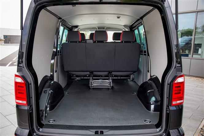 volkswagen transporter swb 2 0 bitdi 204bhp t32 sportline kombi van dsg road test parkers. Black Bedroom Furniture Sets. Home Design Ideas