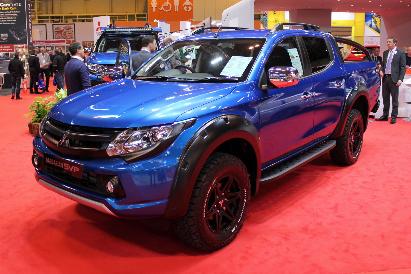 mitsubishi l200 special editions star at the cv show 2017 parkers. Black Bedroom Furniture Sets. Home Design Ideas
