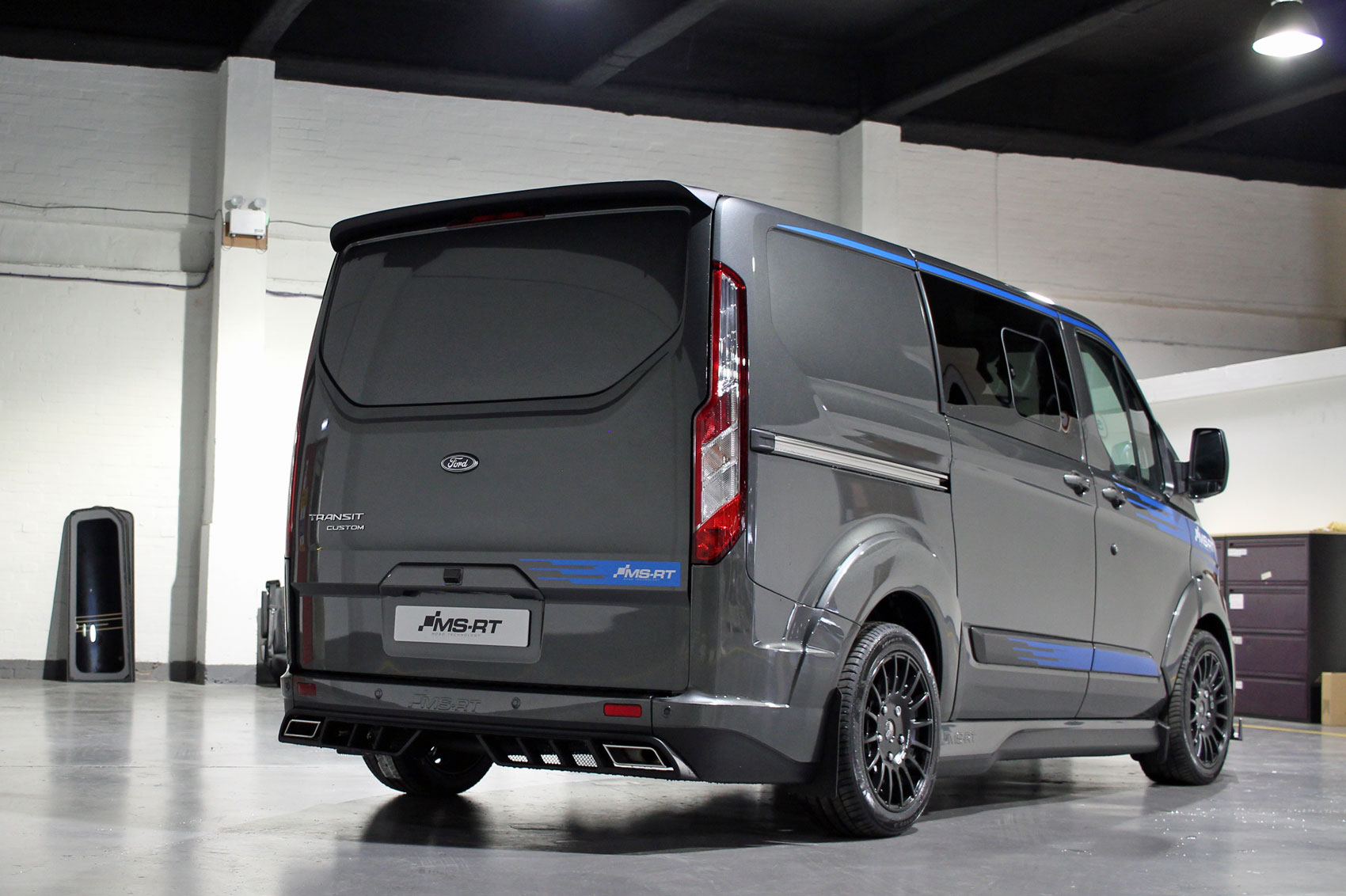 ford transit custom ms rt review the ultimate lifestyle. Black Bedroom Furniture Sets. Home Design Ideas