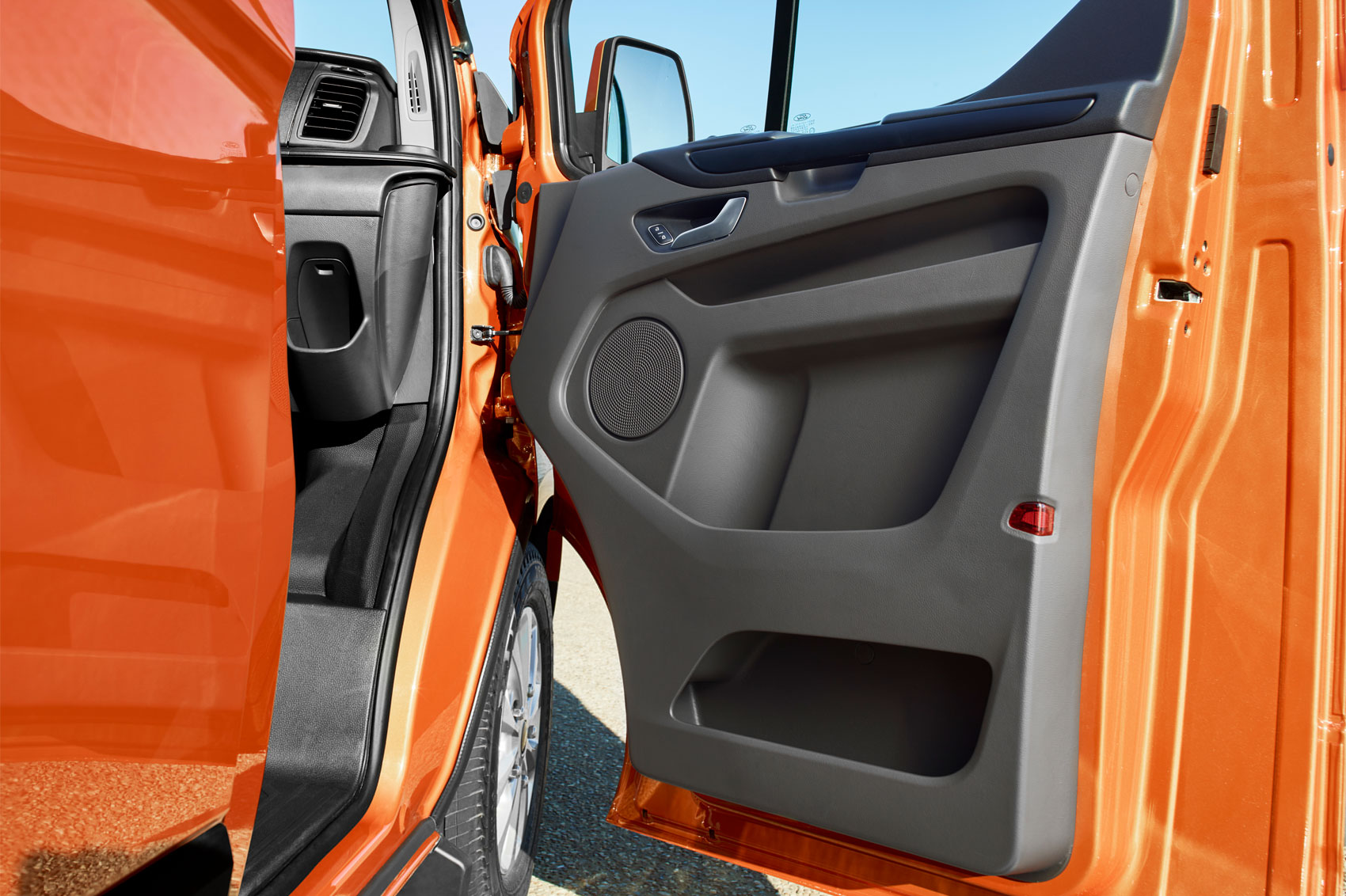 2018 ford uk. delighful ford 2018 ford transit custom  door bins and ford uk
