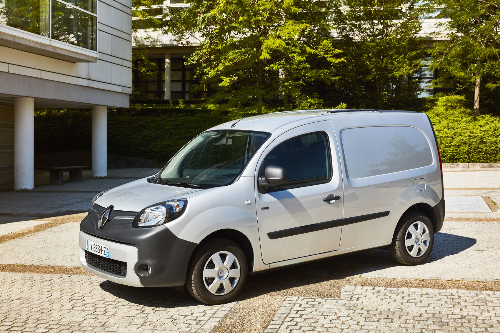 renault kangoo electric 44kw 33kwh ze ml20 business van auto road test parkers. Black Bedroom Furniture Sets. Home Design Ideas