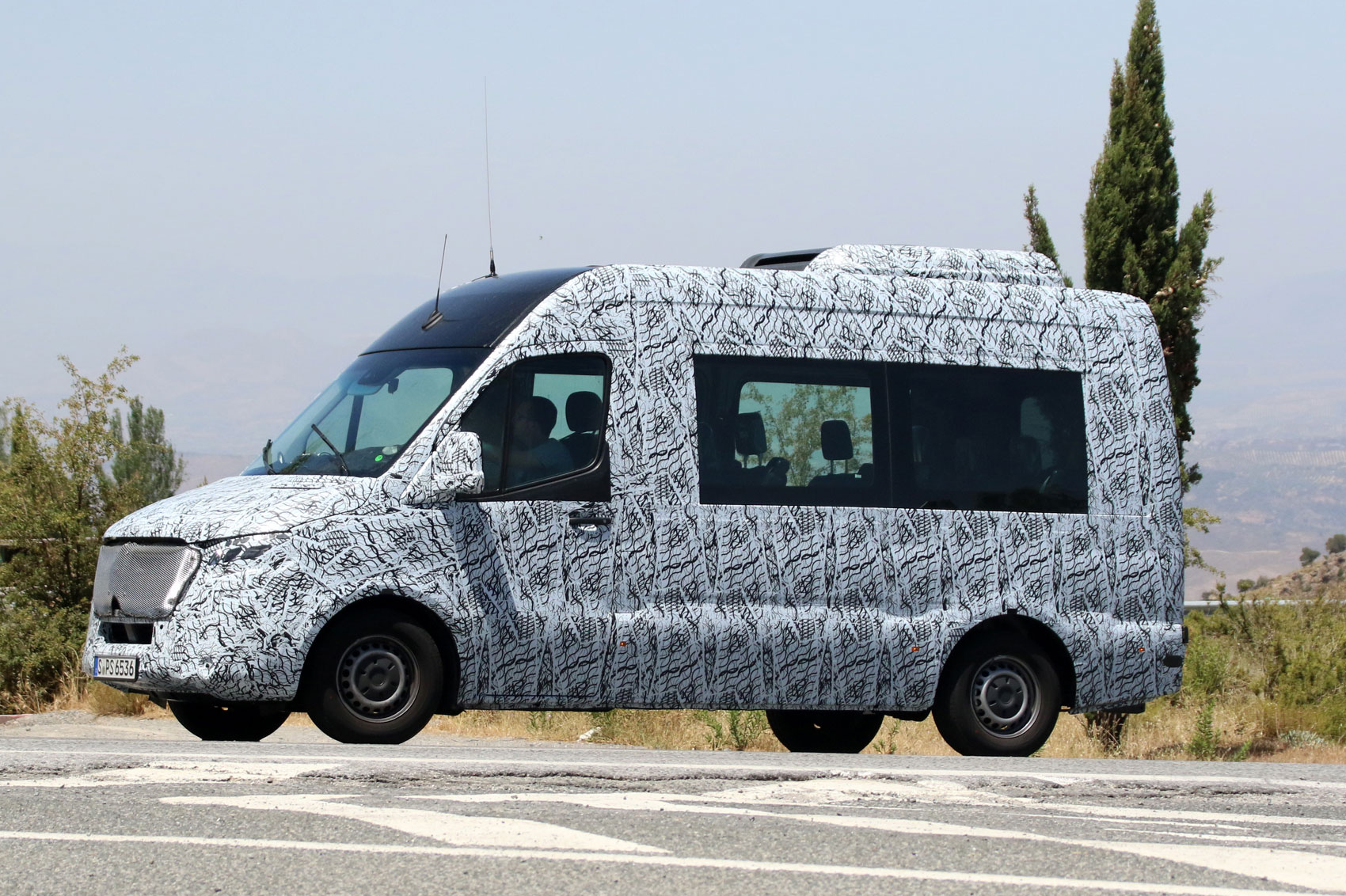 The minibuses based on the mercedes benz sprinter 2018 also gets to - 2018 Mercedes Benz Sprinter Spyshot Side