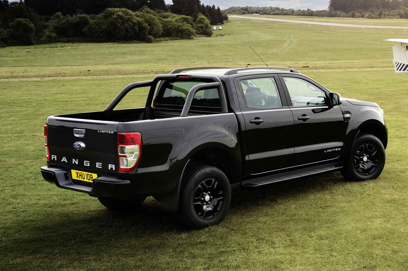 ford ranger black edition to get uk debut at cv show 2018. Black Bedroom Furniture Sets. Home Design Ideas