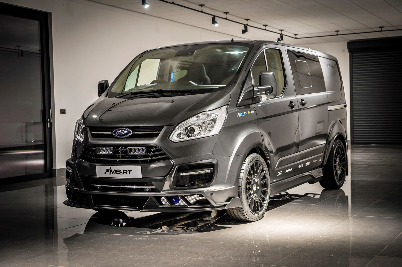 limited edition ford transit custom ms rt r spec boasts up to 208hp parkers. Black Bedroom Furniture Sets. Home Design Ideas