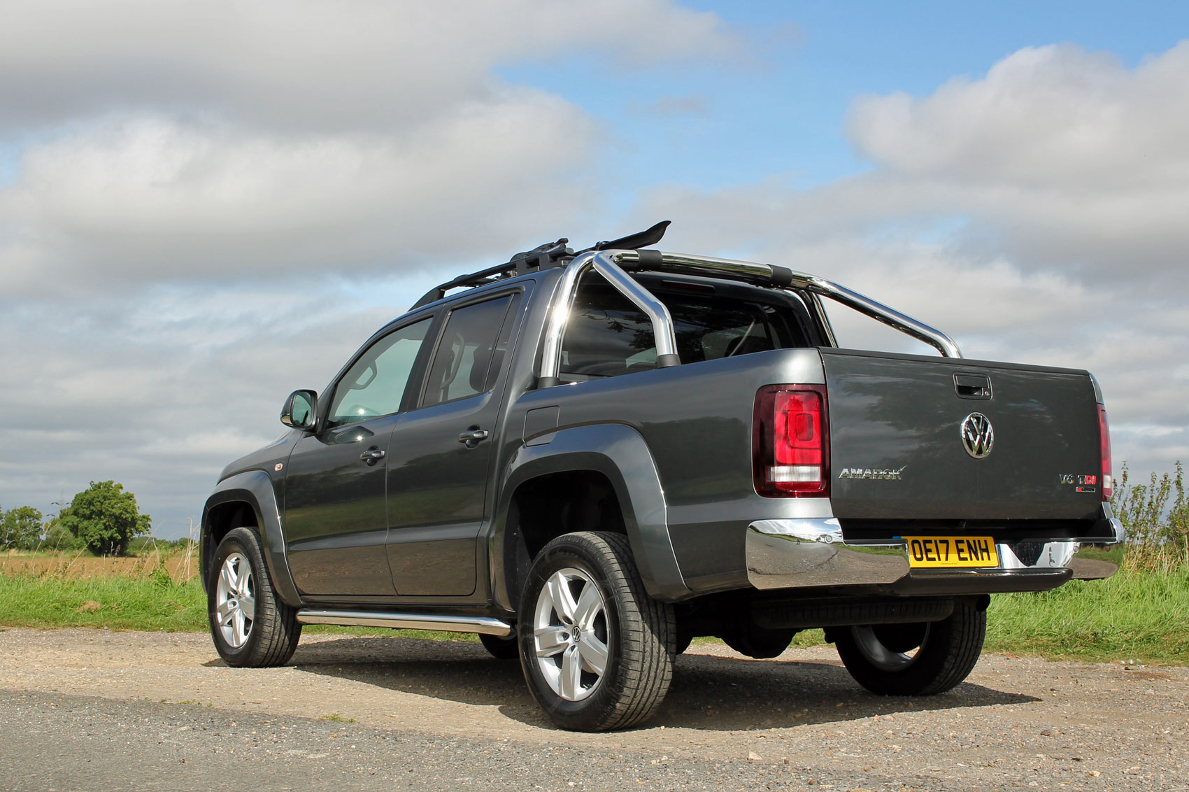 volkswagen amarok 3 0 v6 tdi 220ps a33 d cab pick up highline bmt 4m auto road test parkers. Black Bedroom Furniture Sets. Home Design Ideas