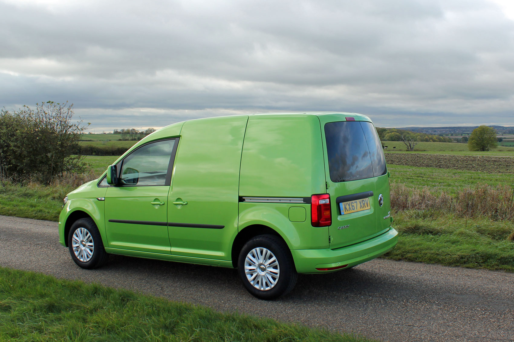 volkswagen caddy 1 0 tsi 102ps c20 bluemotion tech. Black Bedroom Furniture Sets. Home Design Ideas