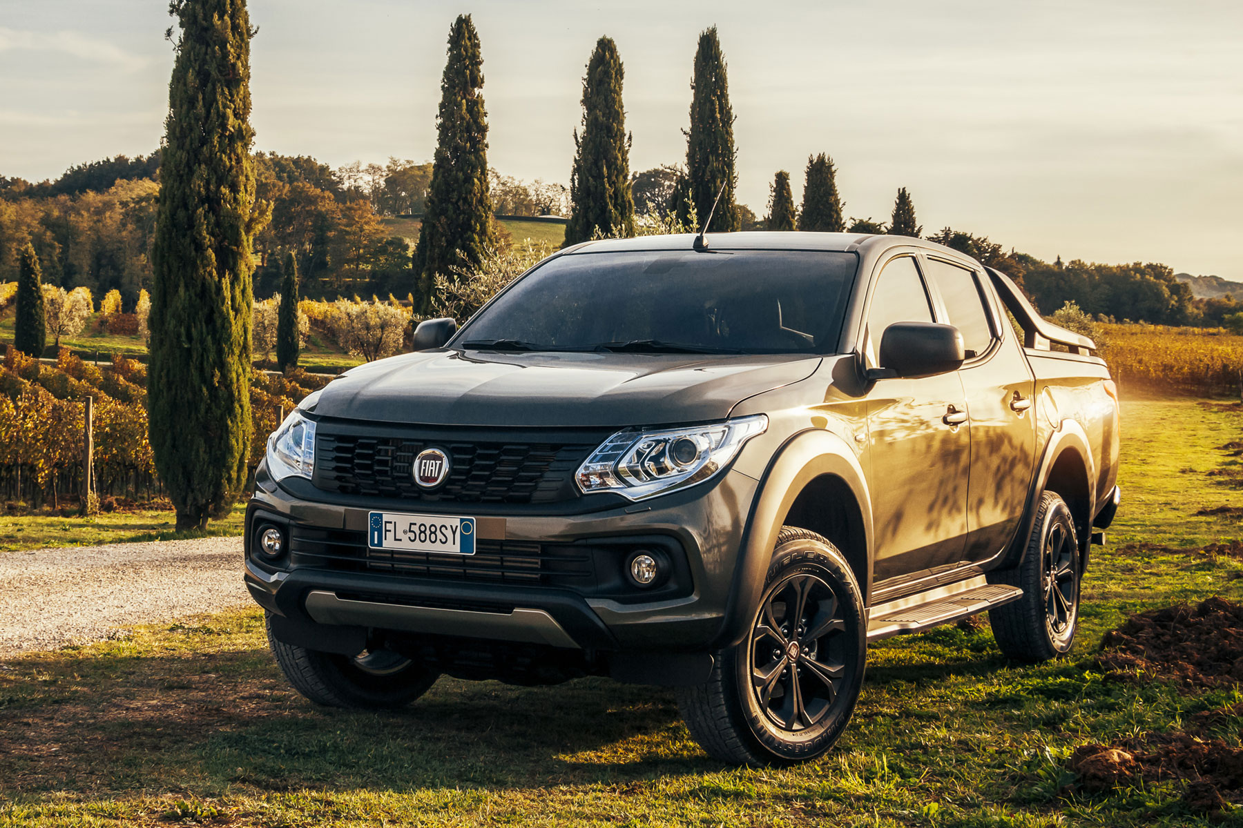 fiat fullback 2 4 180bhp cross double cab pick up auto road test parkers. Black Bedroom Furniture Sets. Home Design Ideas