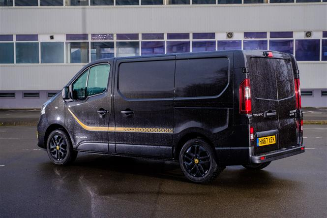 Renault Trafic Formula Edition review - rear