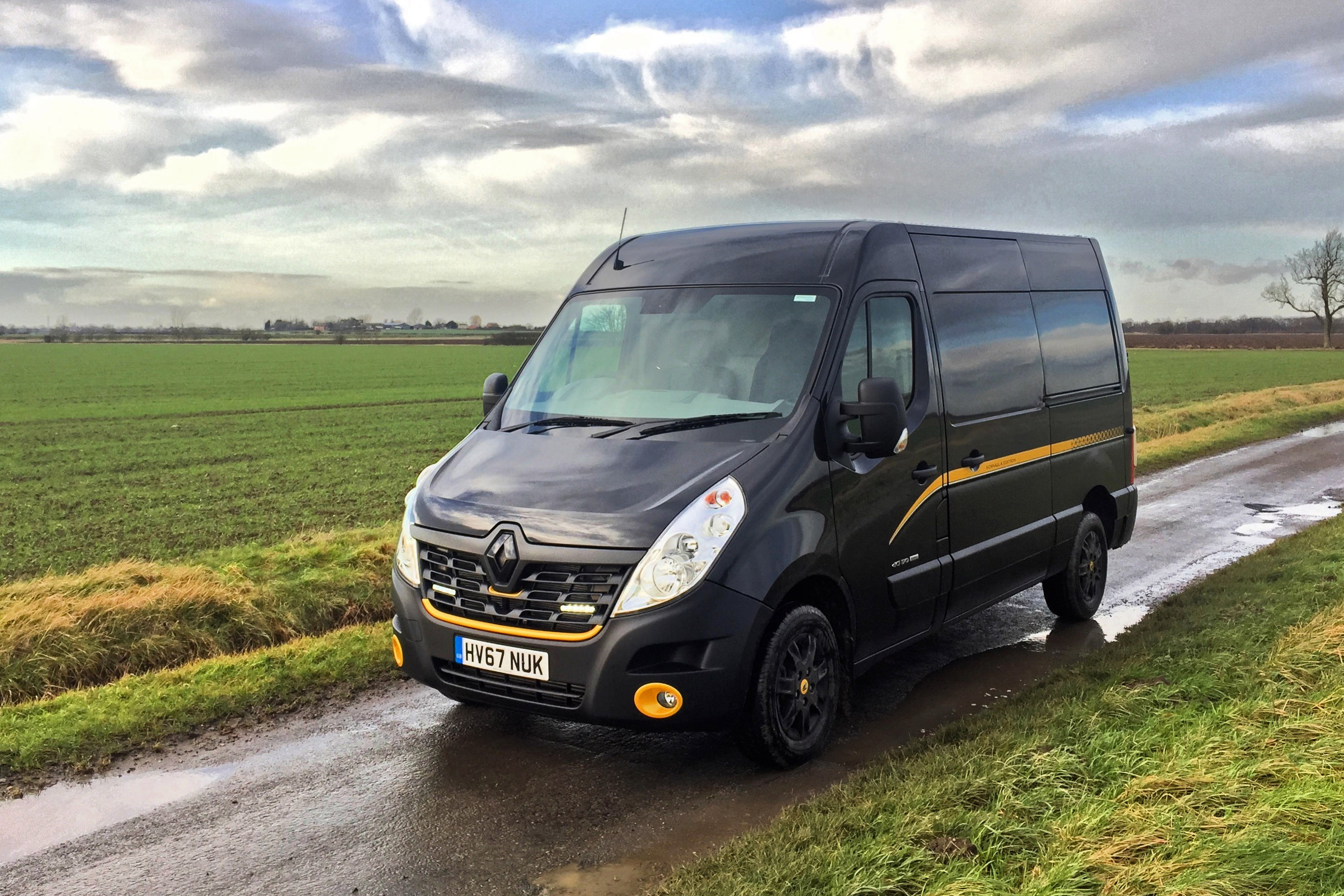 renault master mwb 2 3 dci 170ps mm35 energy formula edition medium rf van fwd road test parkers. Black Bedroom Furniture Sets. Home Design Ideas