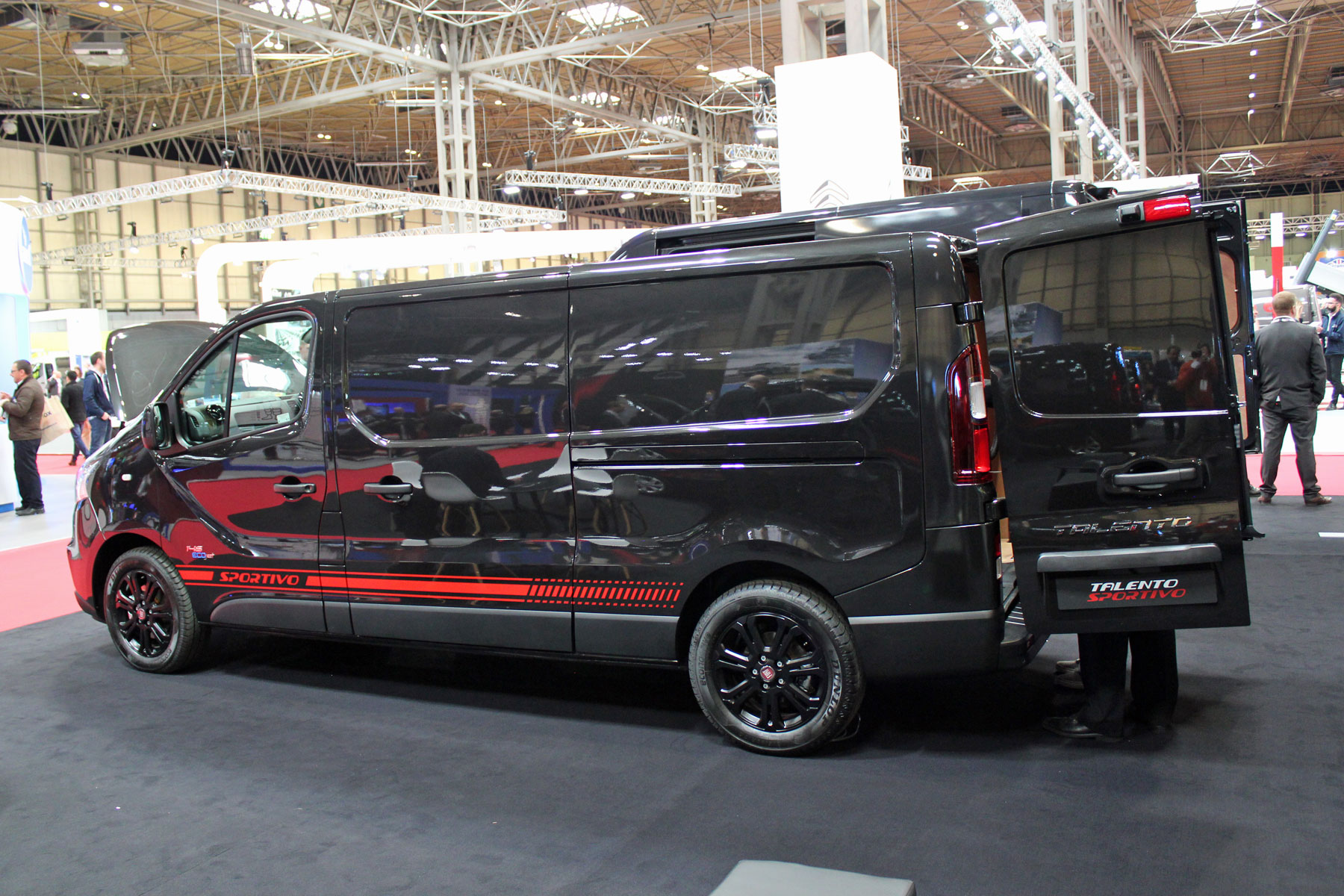 cv show 2018 all the van and pickup news from the uk 39 s. Black Bedroom Furniture Sets. Home Design Ideas
