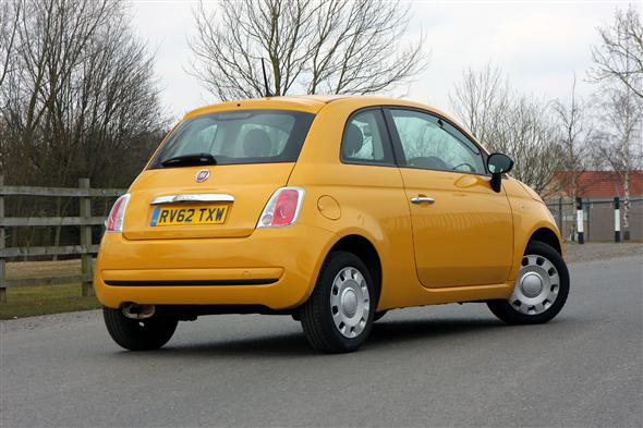 Fiat 500 Hatchback 1.2 Pop (Start Stop) 3d Road Test | Parkers