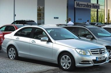 Mercedes benz c class saloon c220 cdi blueefficiency for Mercedes benz plant salary