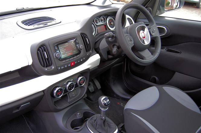 fiat 500l mpw 1 6 multijet 105bhp pop star 5d road test parkers. Black Bedroom Furniture Sets. Home Design Ideas